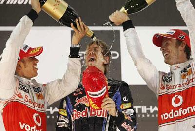 Hamilton, Vettel y Button en el podium de Abu Dhabi